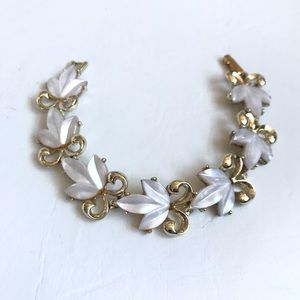 VINTAGE WHITE THERMOSET BRACELET GOLD PLATED